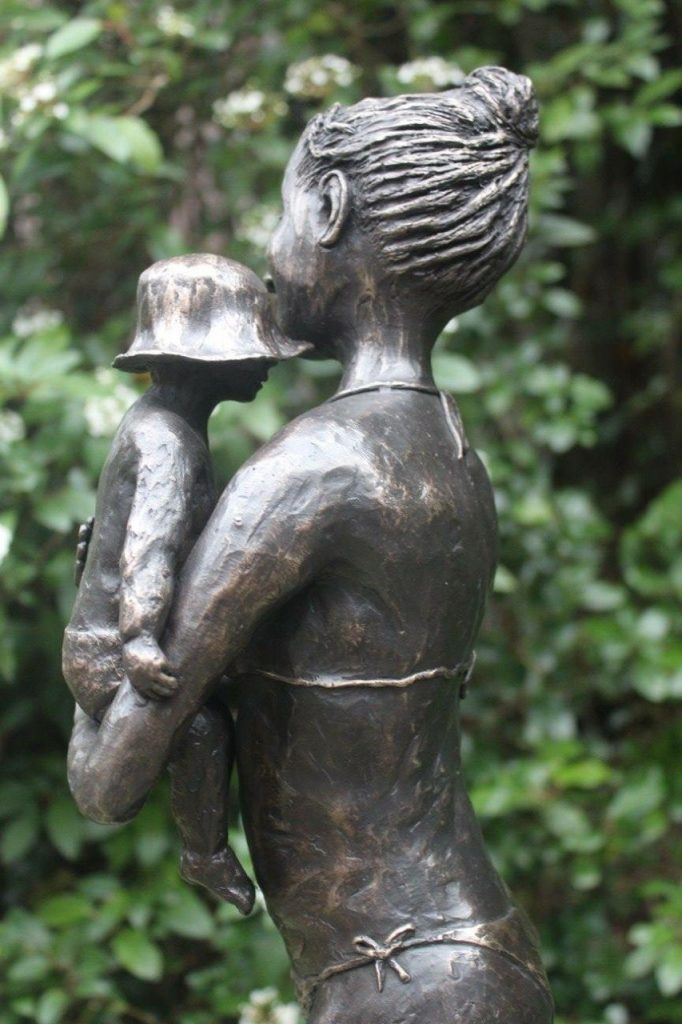 Een bronzen beeld wat een mooi geschenk
