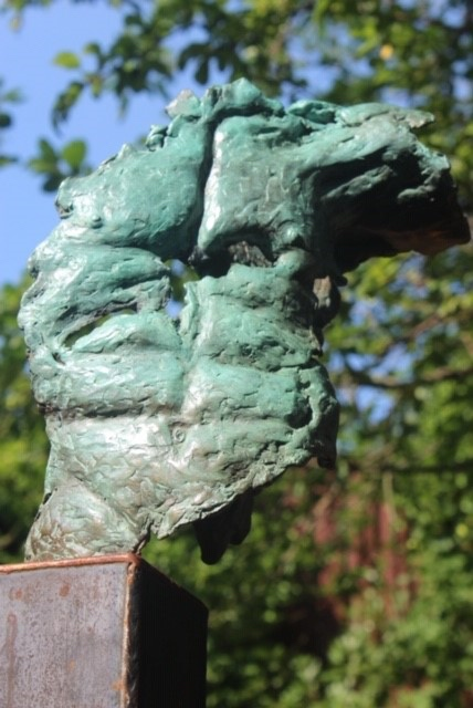 Een torso van brons