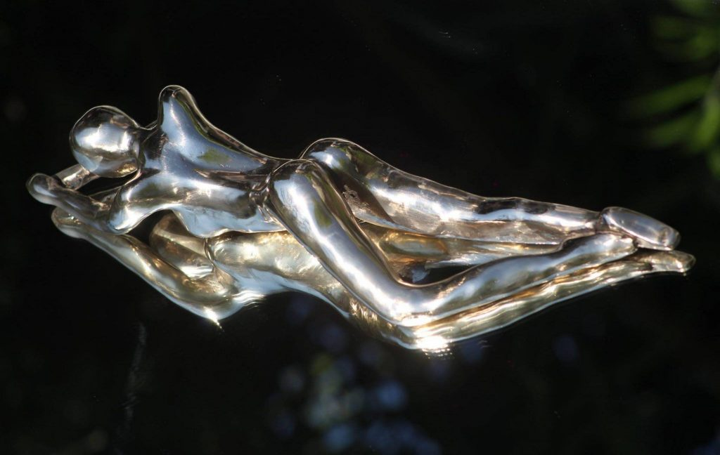 Abstracte bronzen vrouwen beelden