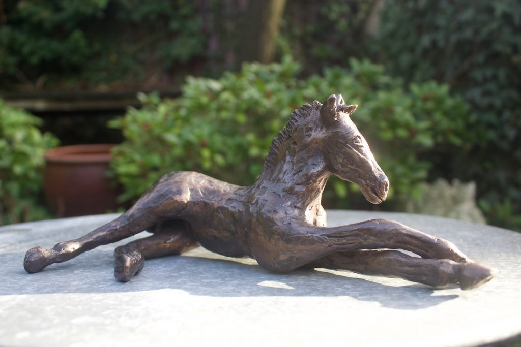 Een veulentje van brons